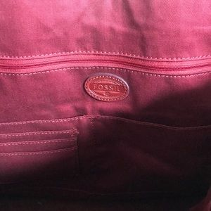 Fossil Bags - Vintage Distressed  Fossil Tote in Ox Blood Red 😘